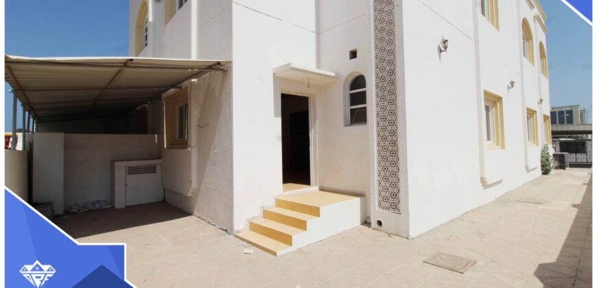 Beautiful And Modern 4 Bedrooms With Spacious Parking Space Villa For Rent in The Prime Location of Azaiba.