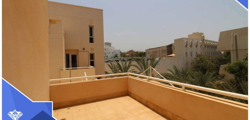 Beautiful 5 Bedrooms+Maid Room Villa for Rent-750 OMR
