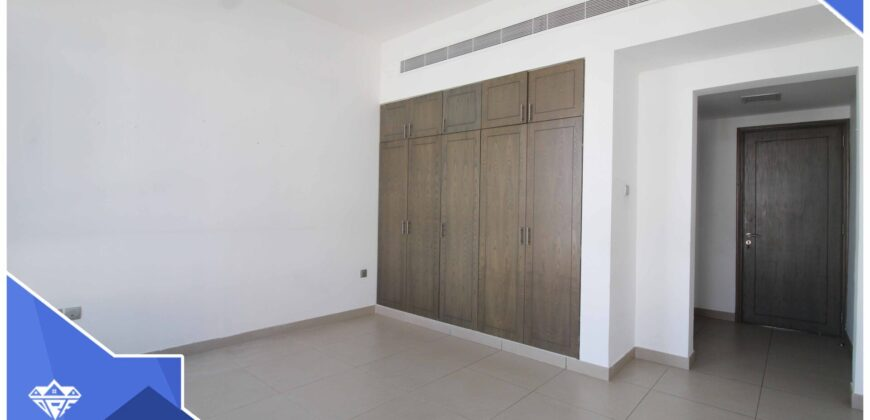 Beautiful And Specious Modern 5 Bedrooms+Maid Room With Swimming Pool Villa For Rent in The Prime Location of Madinat Al Ilam