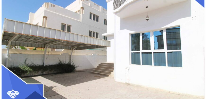 Spacious And Modern 4 Bedrooms+Maid Room With Spacious Front Yard & Back Yard Villa For Rent in The Prime Location of South Ghubrah.