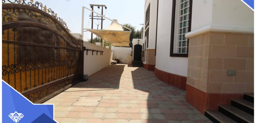 Beautiful & Spacious 6 Bedrooms+Maid Room With Private Parking Villa For Rent in Azaiba At Prime Location.