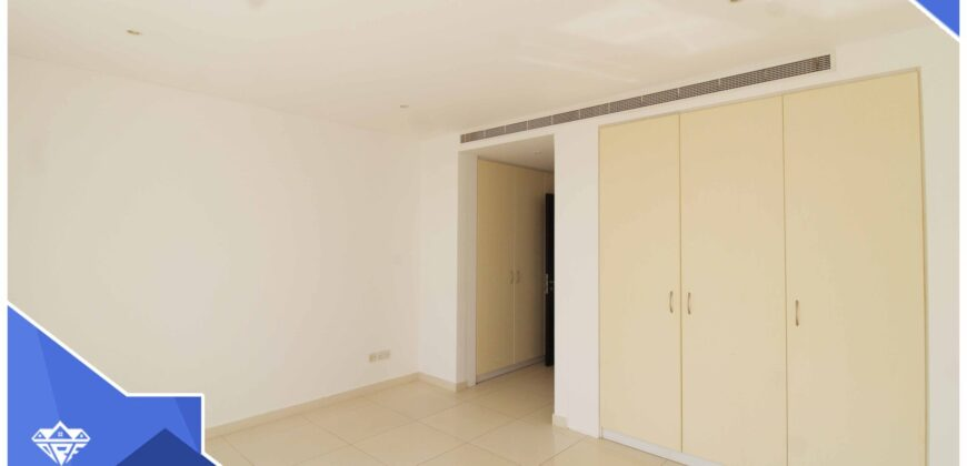 Beautiful Executive 2 Bedrooms+Private Parking Town House For Rent in Al Mouj