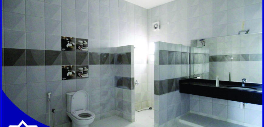 5 Bedrooms+Private Covered Parking Villa For Rent in Azaiba.