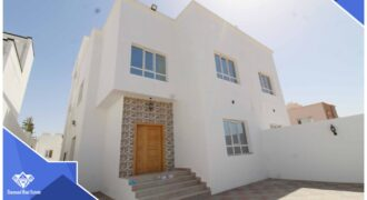 Brand New Spacious And Modern 5 Bedrooms+Maid Room With Spacious Front Yard & Back Yard Villa For Sale in The Prime Location of Al Khoudh 7