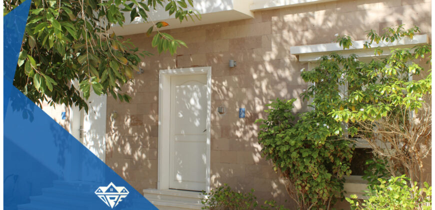 Beautiful & Modern 3 BHK+Maid Room Villa in Qurum For Rent : 600-OMR  This Beautiful Villa Located In Qurum Has 3 Bedrooms With Attached Bathrooms