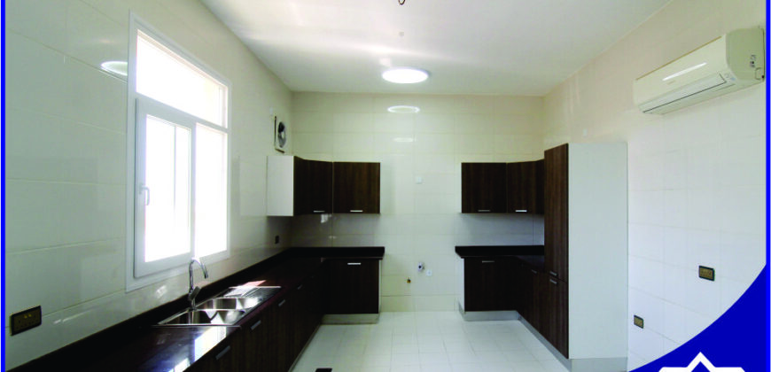 5 Bedrooms Good design Villa for Rent in Qurum