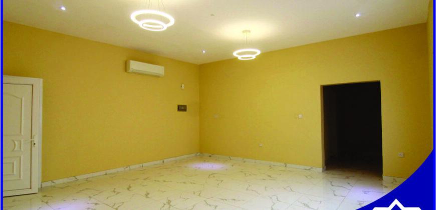 3 Bedrooms Apartment (Full Floor) For Rent In south Al Ghubrah